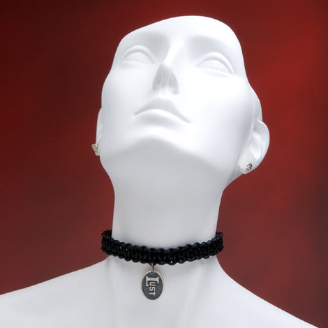 LUST Oval Pendant Choker - darkcatmansion