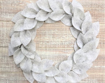 Small Farmhouse Wreath, White and Gray Marble