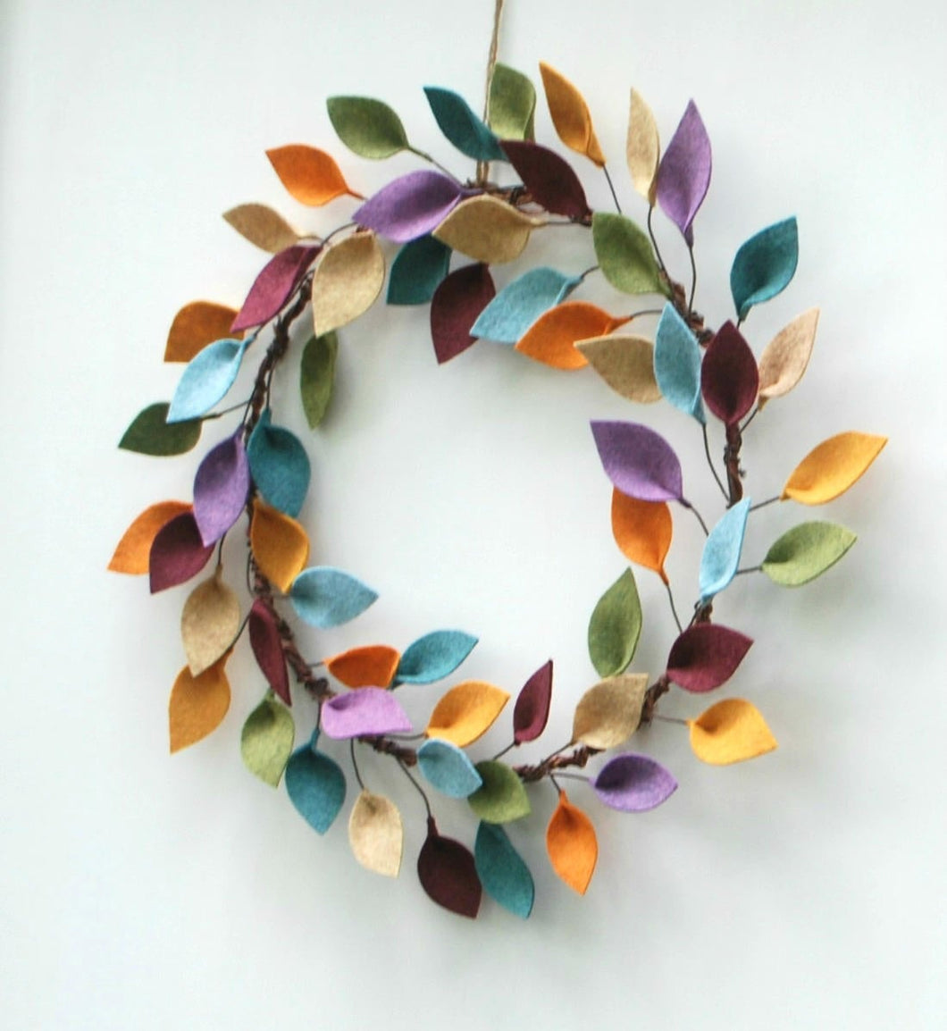 Small Felt Leaf Wreath - Simple Wreath for Fall - Modern Everyday Wreath - 12