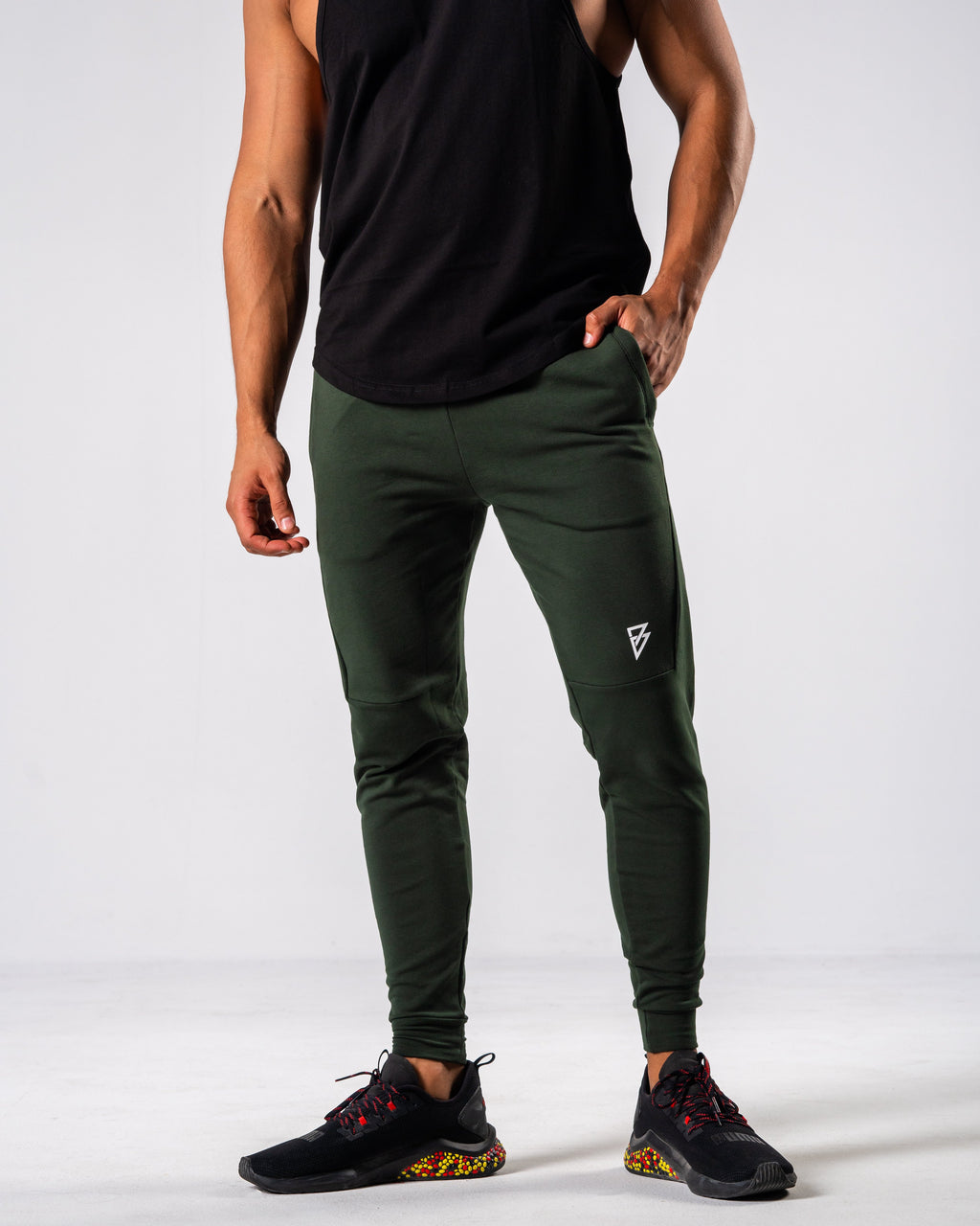 FÍO Tapered Joggers - Olive - FIO Athletics