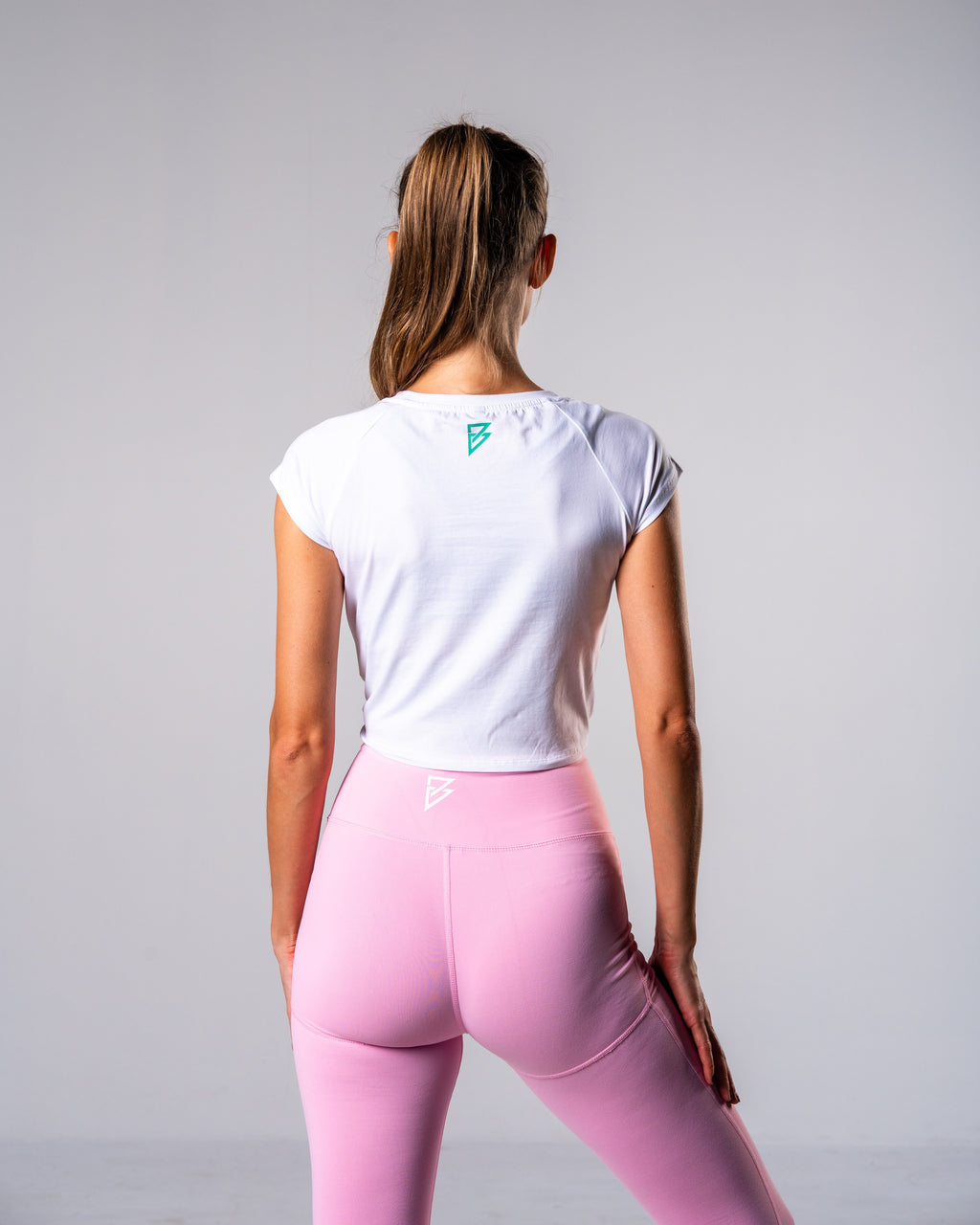 Flagship Crop Tee - White - FIO Athletics