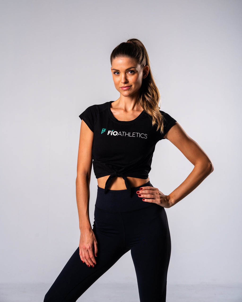Flagship Crop Tee - Black - FIO Athletics