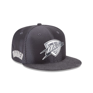 OKLAHOMA CITY THUNDER NEW ERA 9FIFTY ON COURT SNAPBACK - GRAPHITE