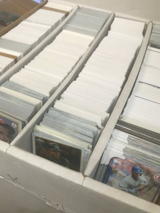 Going Out of Business Mega Deal! Incredible Bulk Deal! Approximately 10,000 Sports Cards!