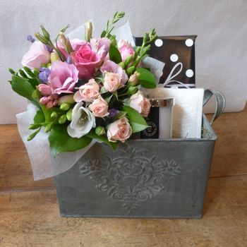 Mother's Day Flowers Gift Set