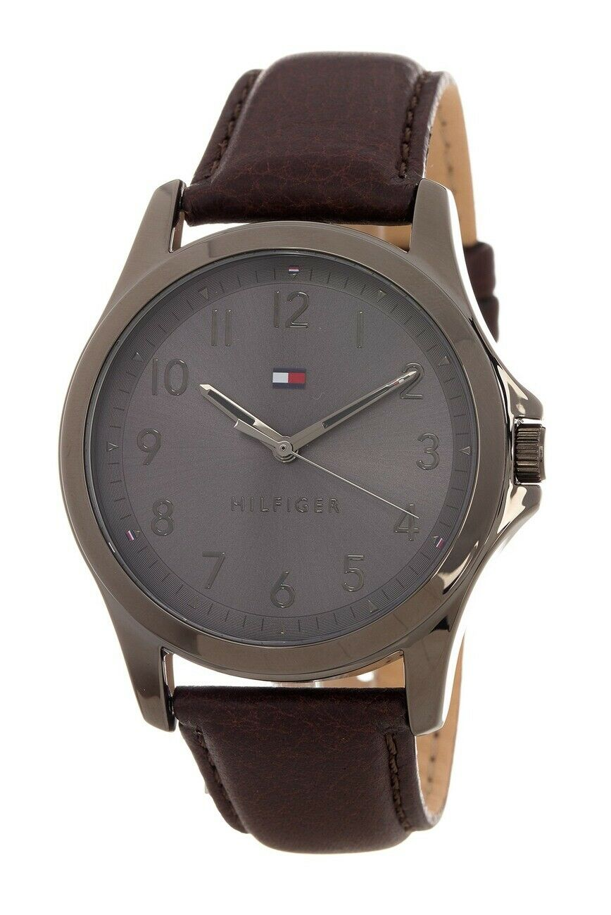 Tommy Hilfiger Men's The Essentials Leather Strap Watch 45mm 1791522