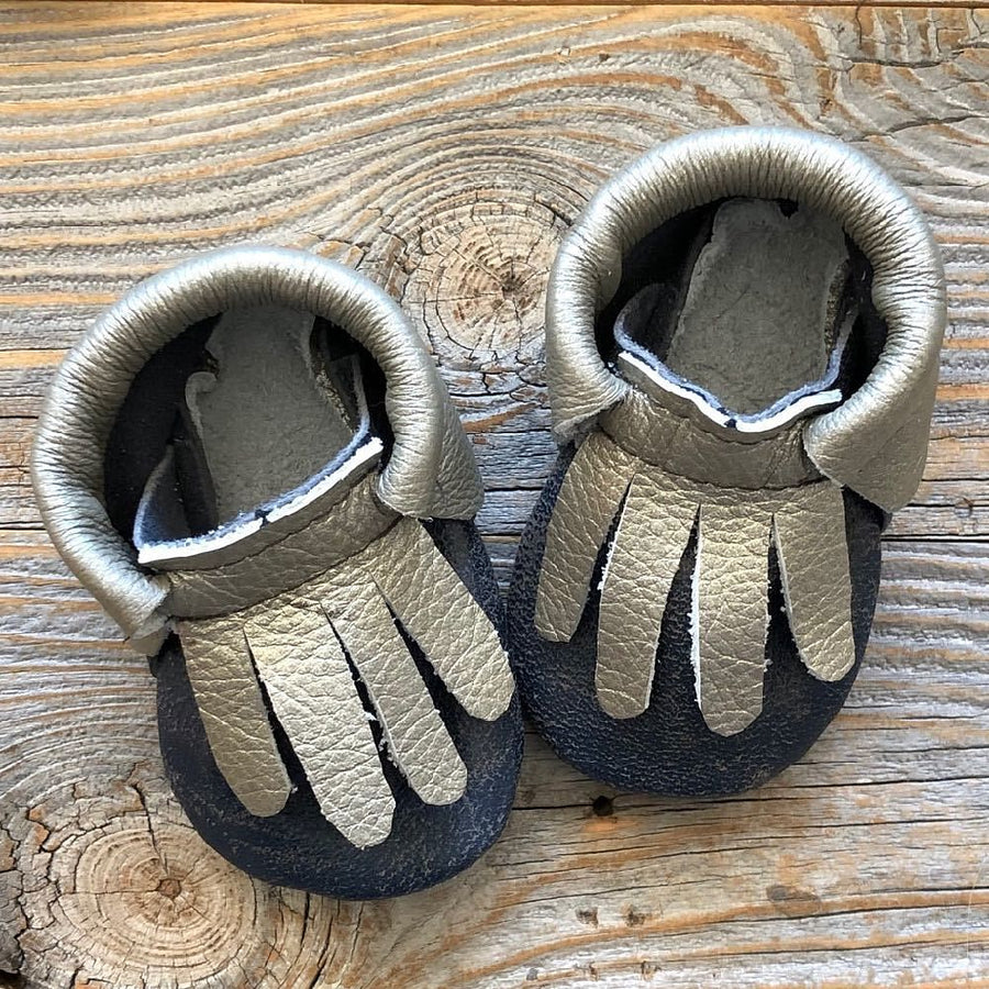 silver and navy mocs 3-6m - bebabyco