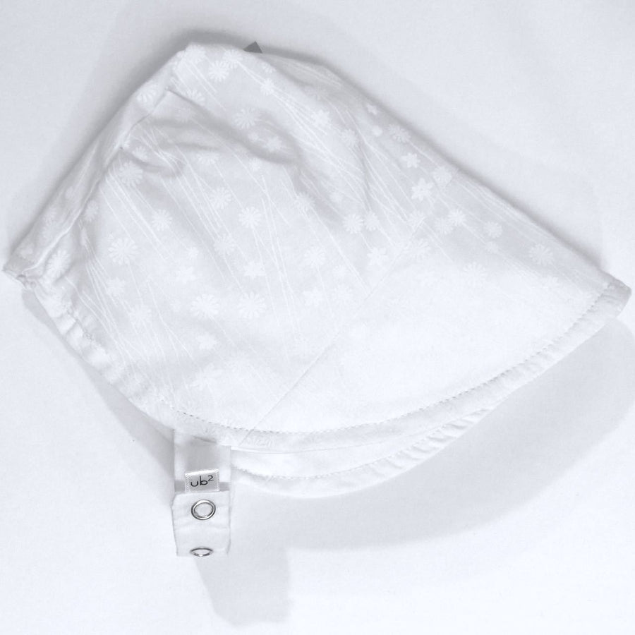 modBonnet in crystal white - bebabyco