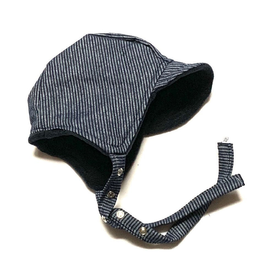 pilot bonnet in Bengal Winter