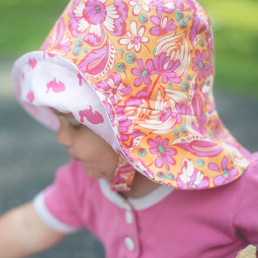 bucket hat in woodland garden - bebabyco