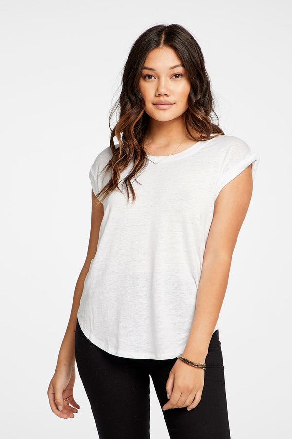Chaser - TWISTED SLEEVE SCOOP NECK SHIRTTAIL TEE - White