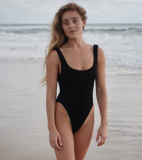Hunza G Classic Square Neck One Piece Swimsuit - Black