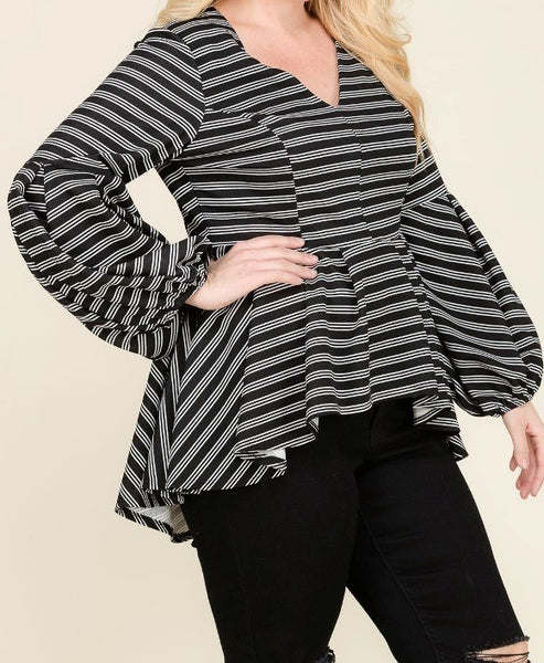 Black and White Peplum Top (XL-3XL)