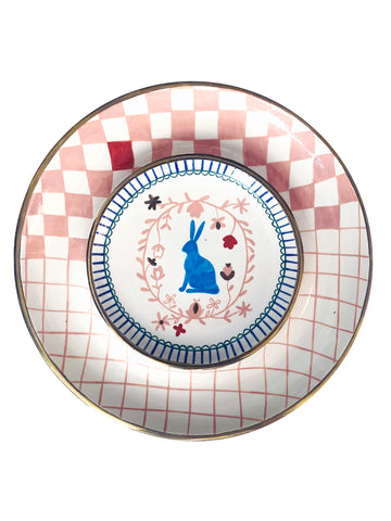 Ceramic plate with a rabbit