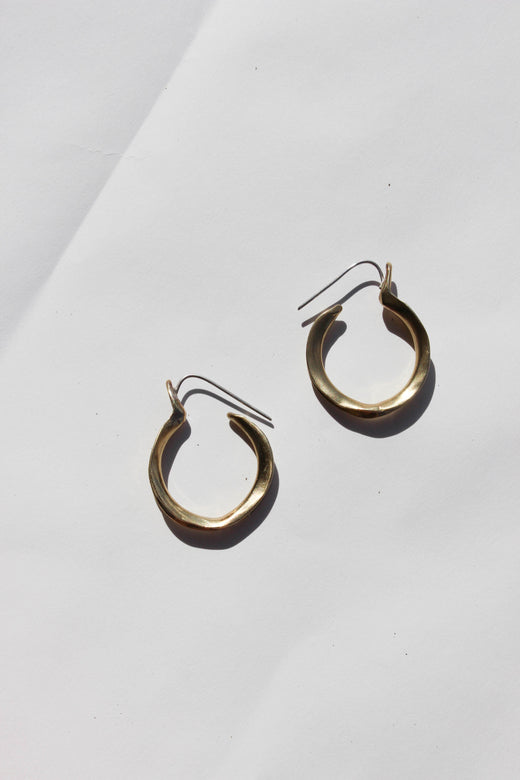kiki earrings - brass