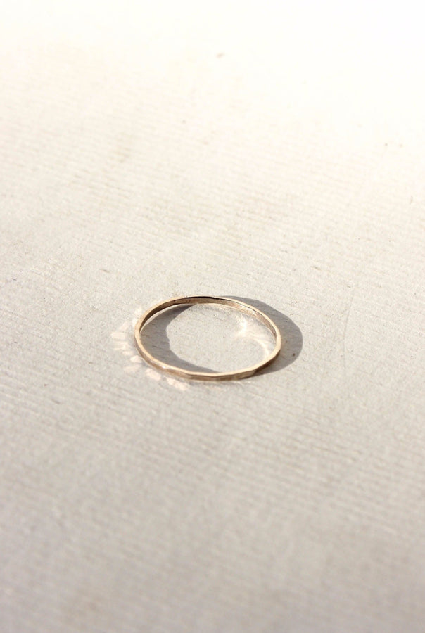 slim hammered ring - silver