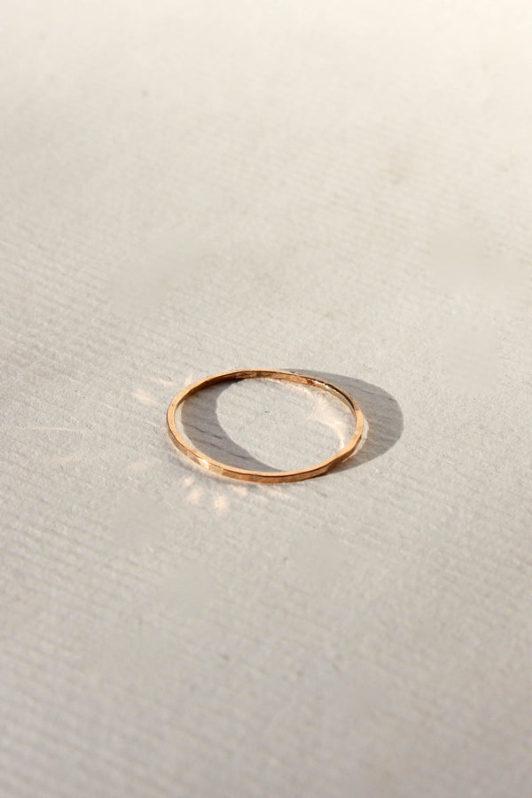 thick hammered ring - gold
