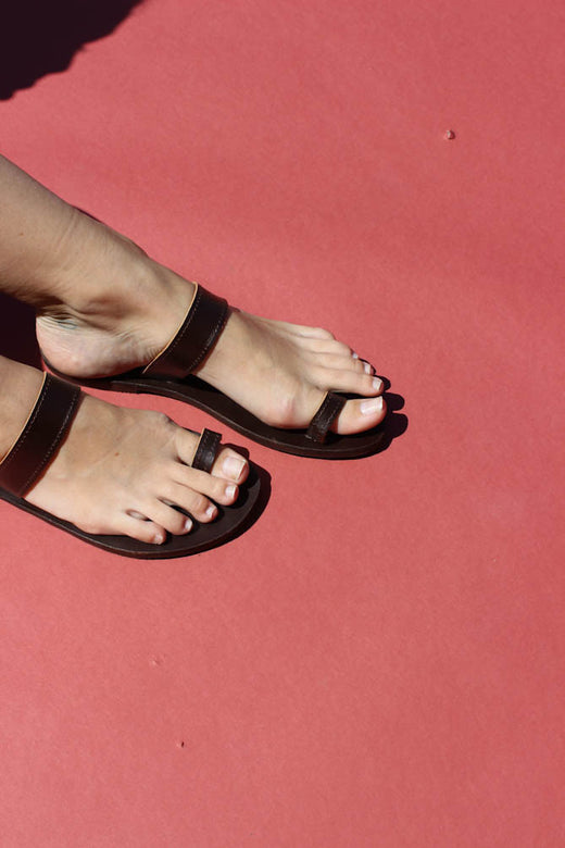 greek toe strap sandal | dark brown