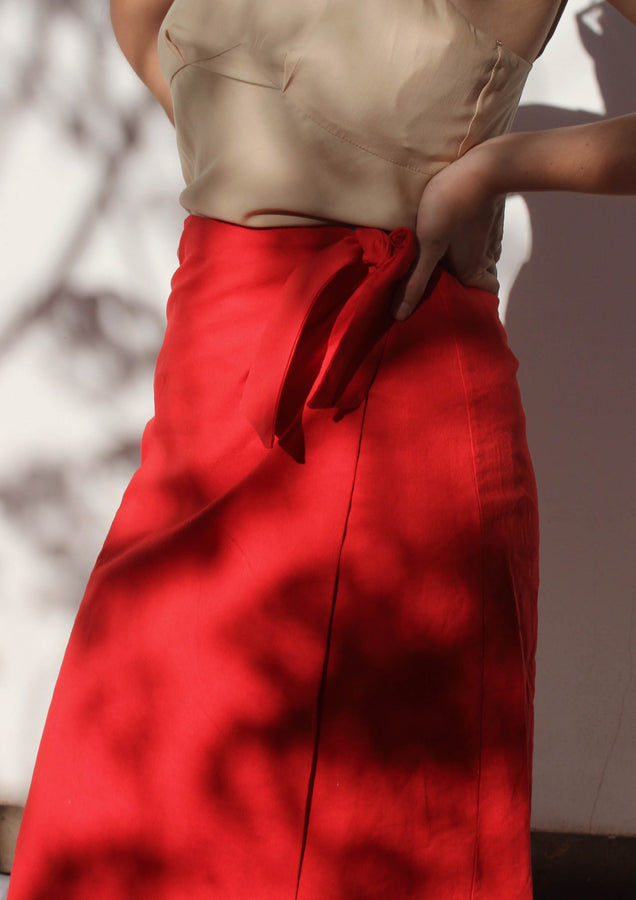 tie wrap skirt | tomato & black