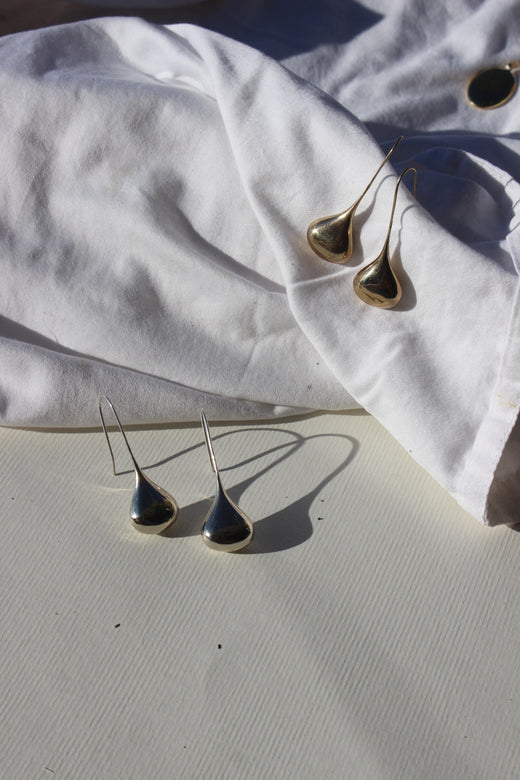 cast teardrop earrings
