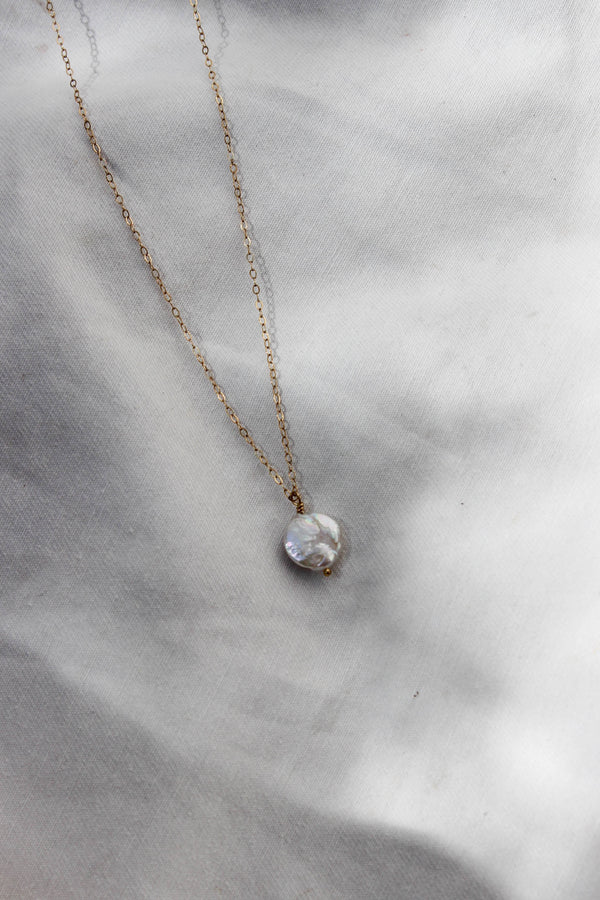 freshwater pearl medallion | small