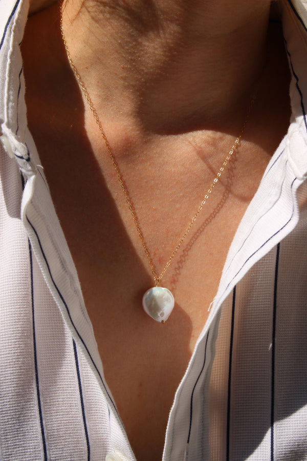 freshwater pearl medallion | large