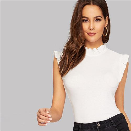 How To Wear A White Top Like A Model?