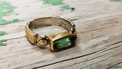 Green tourmaline 18kt gold and silver hand engraved ring