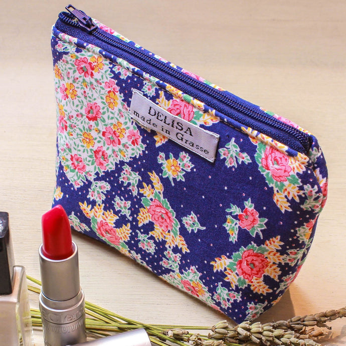 Small zipper pouch with flower motif. Lavender pouch. Lipstick case. Small makeup bag. Coin purse. Mini zipper. Cosmetic pouch