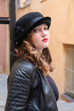 Load image into Gallery viewer, Black Cloche Winter Felt hat.