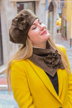 Load image into Gallery viewer, Brown hat with flower. Beret hat for women,