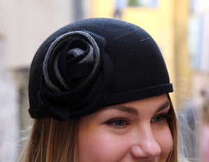 Unique 1920s black flapper hat.