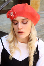 Load image into Gallery viewer, Orange linen beret with brooch.