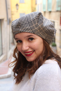 Tartan beret, Fabric beret, British tartan hat, fabric hat, Slouchy hat, French beret, Trendy hat, Womens beret hat, Fashion hat, Plaid hat