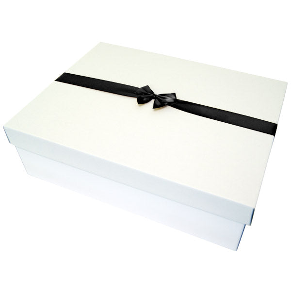 Black Pre tied Bow Size 8 to fit boxes U9 and U15