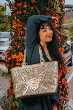 Load image into Gallery viewer, La Flor Tote in Gold