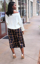 Load image into Gallery viewer, Angie Chain Print Midi Skirt