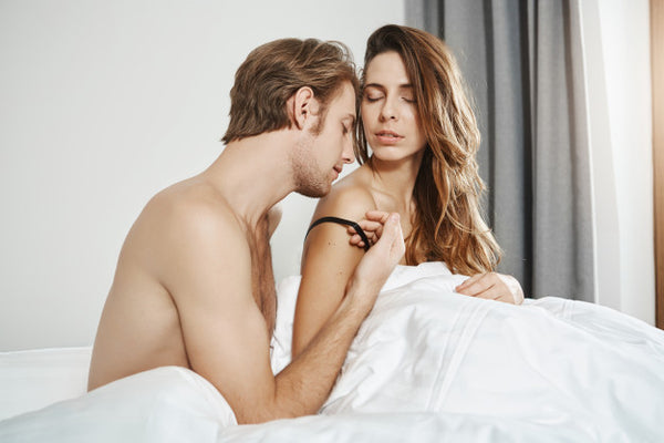 Sex Essentials: Must-Have Items in Bed For Couples