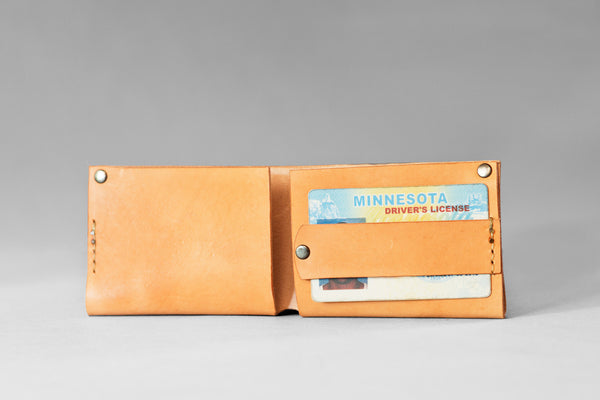 Marked™Bi-Fold Veg Tanned Wallet