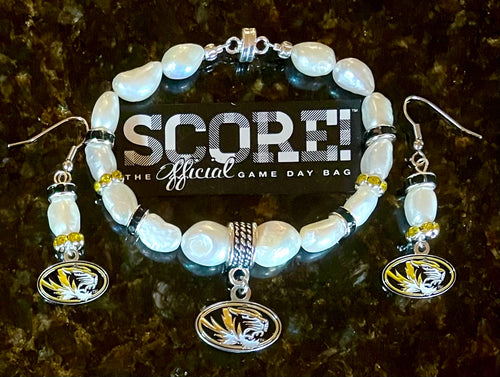 Missouri miss you Tigers pearl and rhinestone earrings and bracelet set