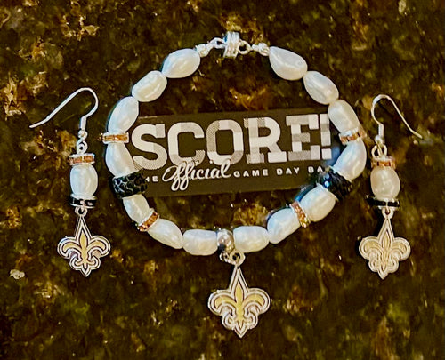New Orleans saints fleur-de-lis's pearl and rhinestone bracelet and earrings