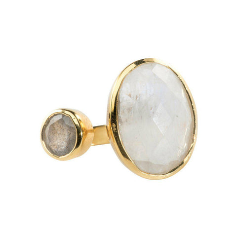 Hugging Ring in Moonstone & Labradorite
