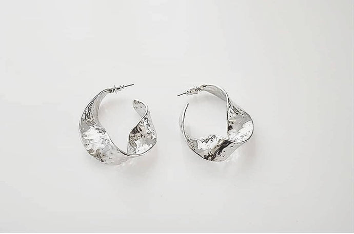 Silver Hoop Earrings - Women's fashion jewellery - YOURSTYLISH