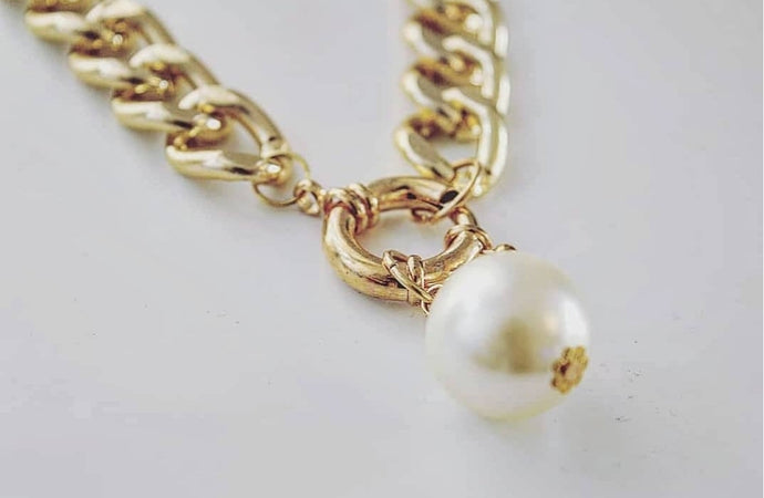 Chain Pearl Drop Necklace - Y O U R S T Y L I S H