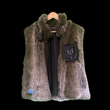 Load image into Gallery viewer, [WNTRBEAR] Buckle-Collar Vest