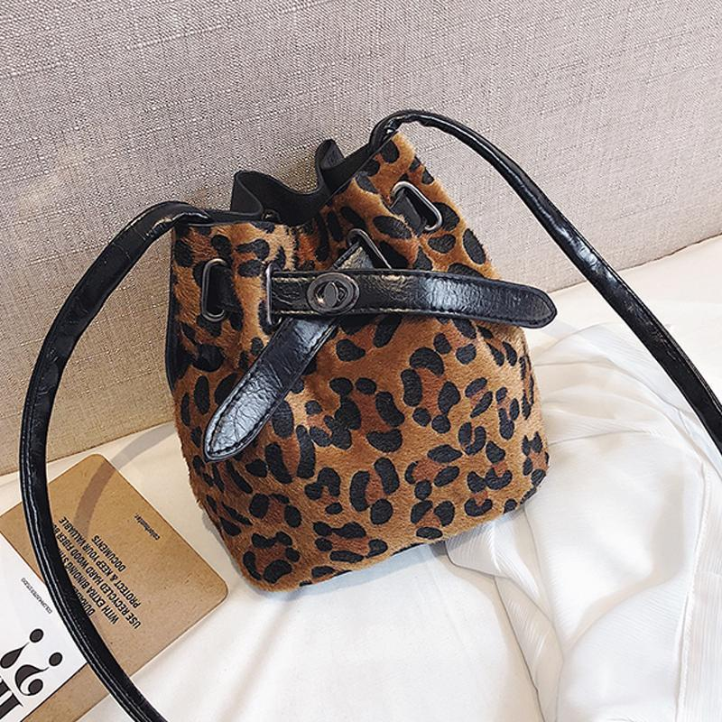 New Leopard Fashion Personality Bucket Bucket Shoulder Diagonal Multi-Purpose Bag Female