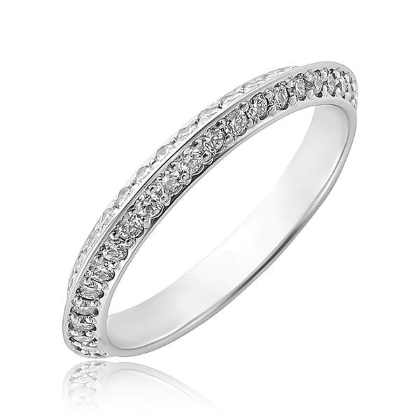 0.80 ctw Round Brilliant Cut Diamond Knife Edge Eternity Band in Platinum