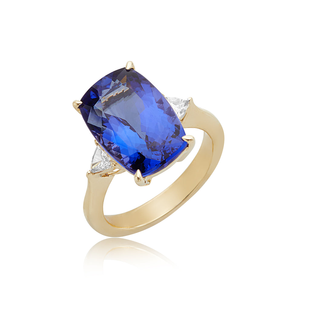 9.76ct Cushion Tanzanite & 0.29ctw Trillion Diamond Ring in 18kt YG