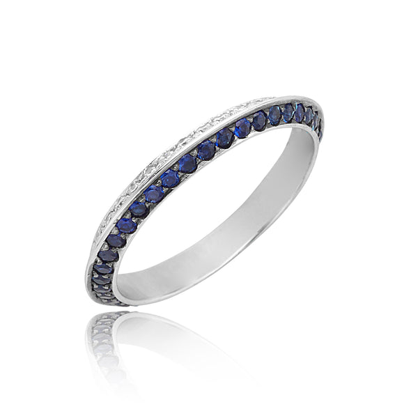 0.40ctw Diamond & 0.59ctw Sapphire Knife Edge Eternity Band in 18kt WG