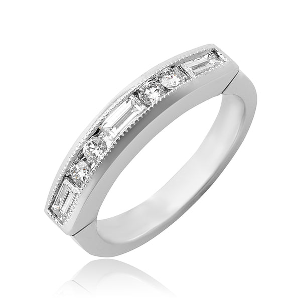 0.40 ctw Baguette and Round Brilliant Cut Diamond Wedding Band in Platinum